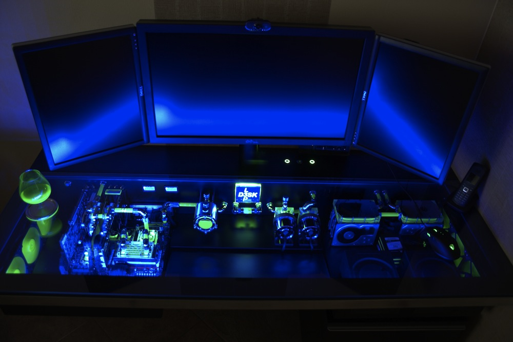 Projet pc bureau gamer desk mod meuble diy gamers for Bureau gamer
