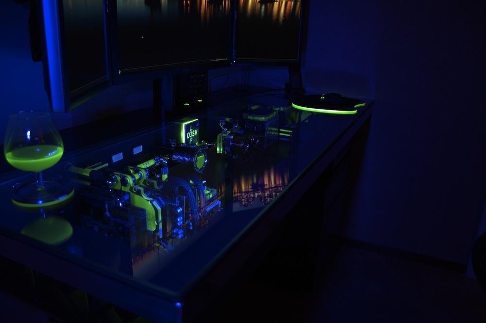 PC Bureau (Desk mod) planetediy-PC-Computer-Desk-Mod-Customization-2